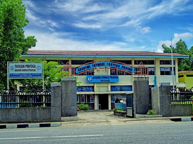 AKFAR Prayoga, Padang.